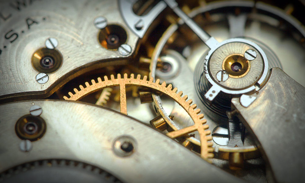 Watches1000 X 600